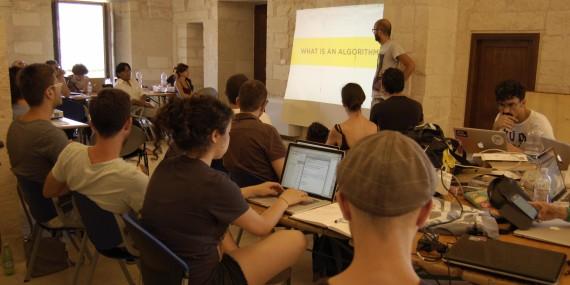 Apre la Scuola open source, la scuola di una bellezza rivoluzionaria